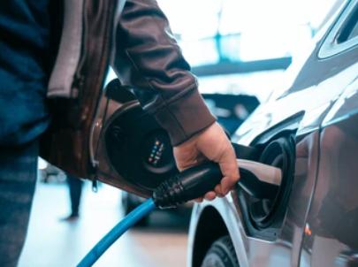 Quel est le temps de charge d'une voiture électrique ?